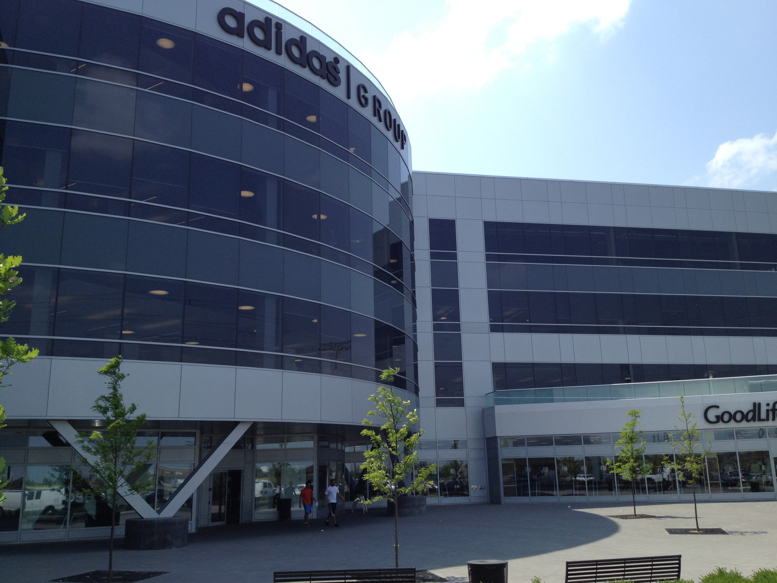 adidas_lobby_1.JPG