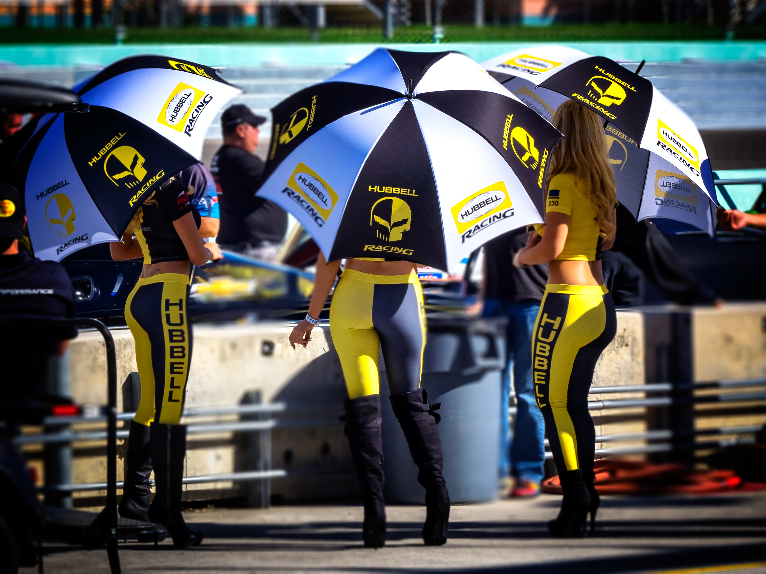 """Grid Girls"""