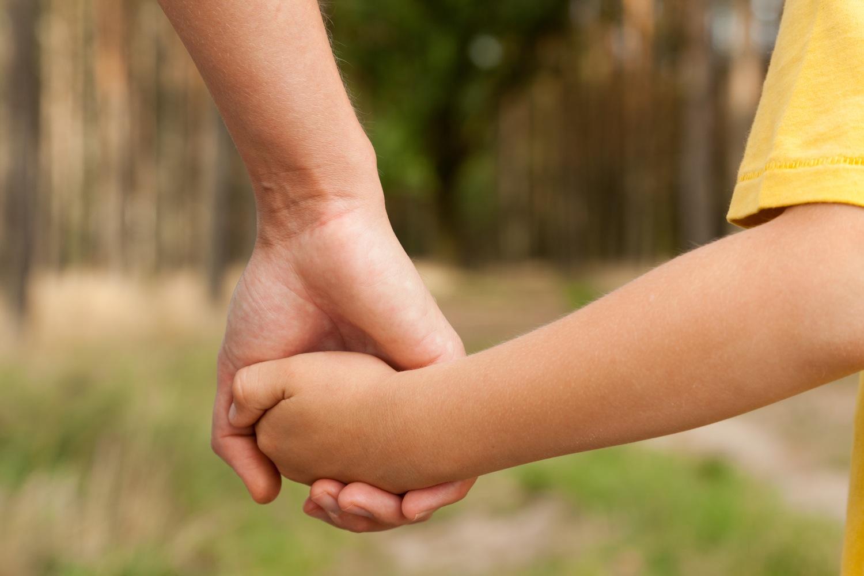 holding-hands-1500.jpg