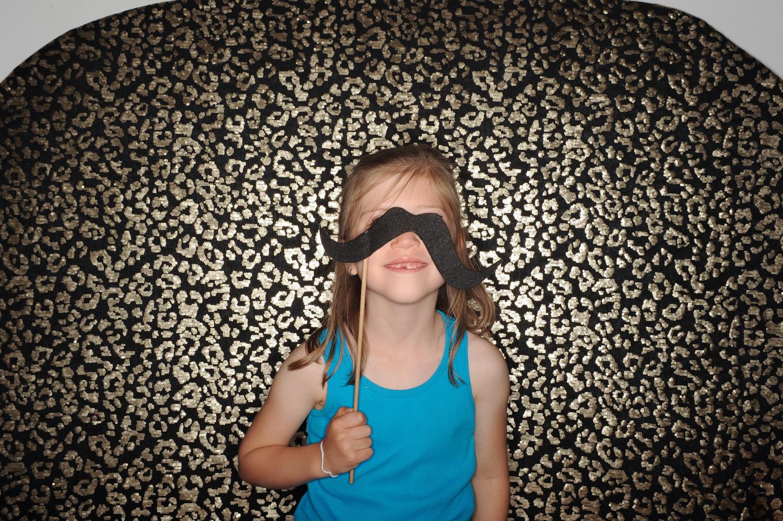 fun-kid-photobooth-the-photobus-overland-park