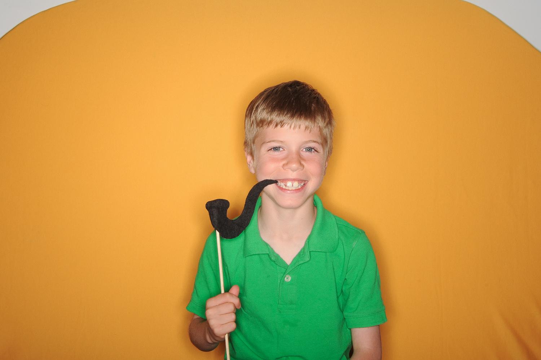 fun-kids-photobooth-the-photo-bus-leawood-ks