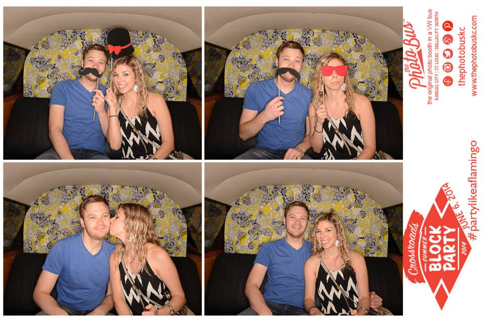Outdoor-photobooth-KC-The-Photo-Bus