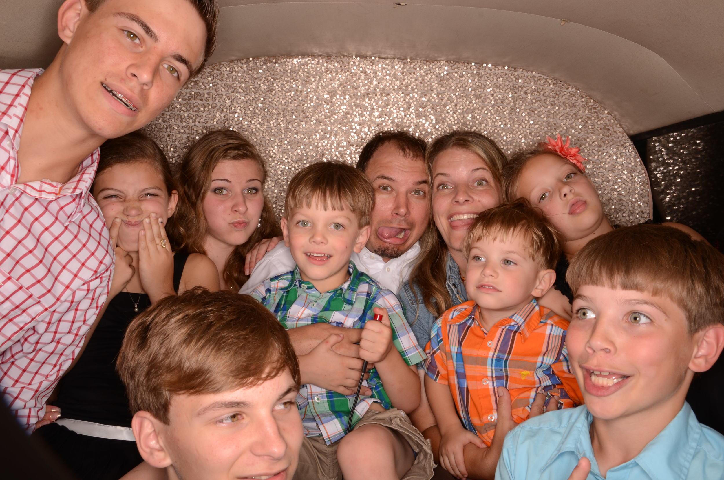 fun-photobooth-the-photo-bus