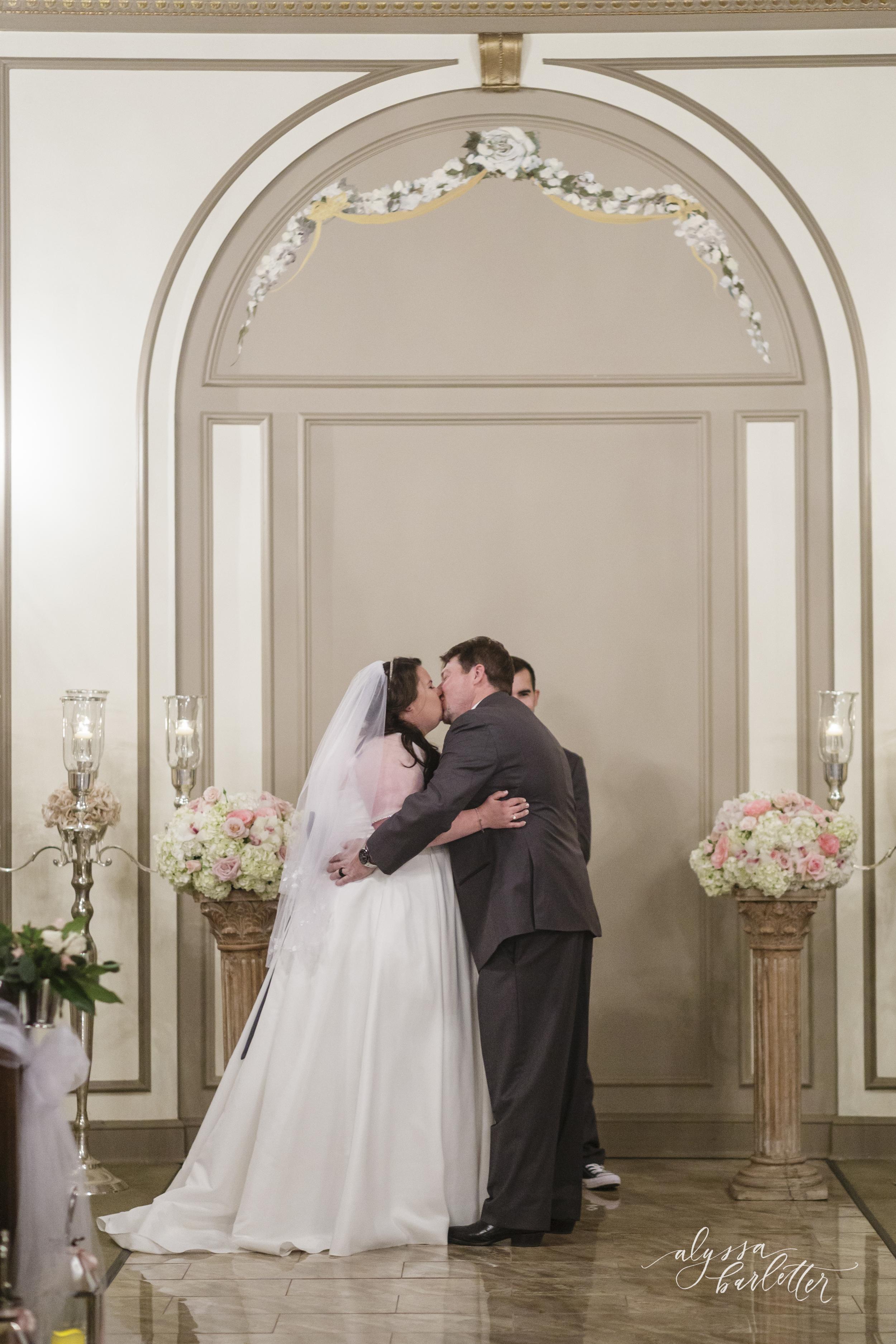 the deleon kansas city wedding photos-18.jpg