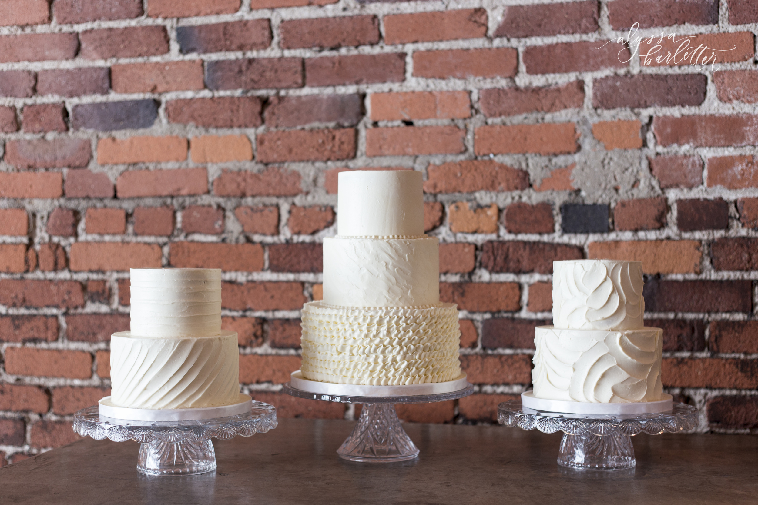 alyssa barletter photography wedding cake table