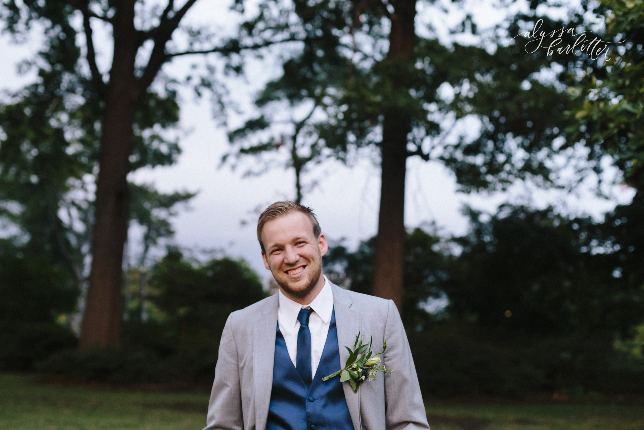 kansas city wedding photographer loose park groom portraits