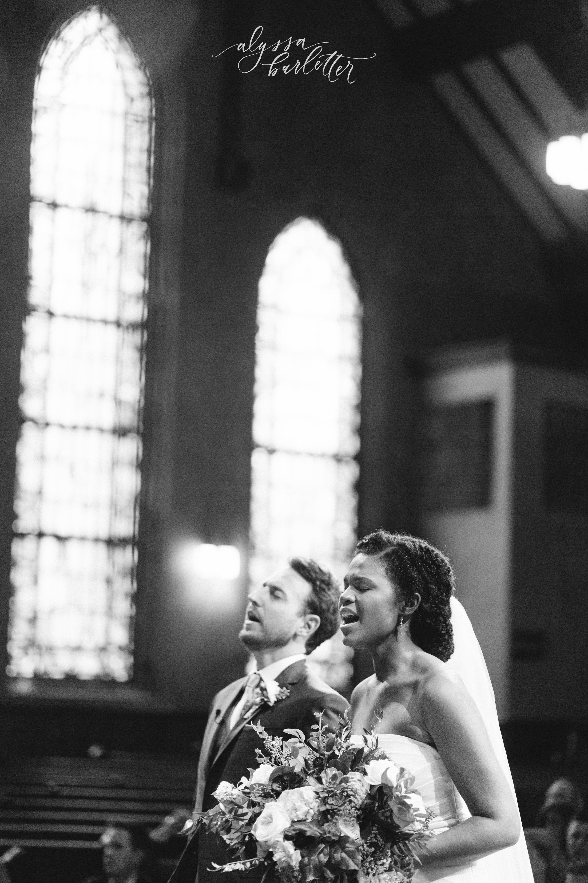 kansas city missouri wedding photographer christ community church bookside ceremony worship