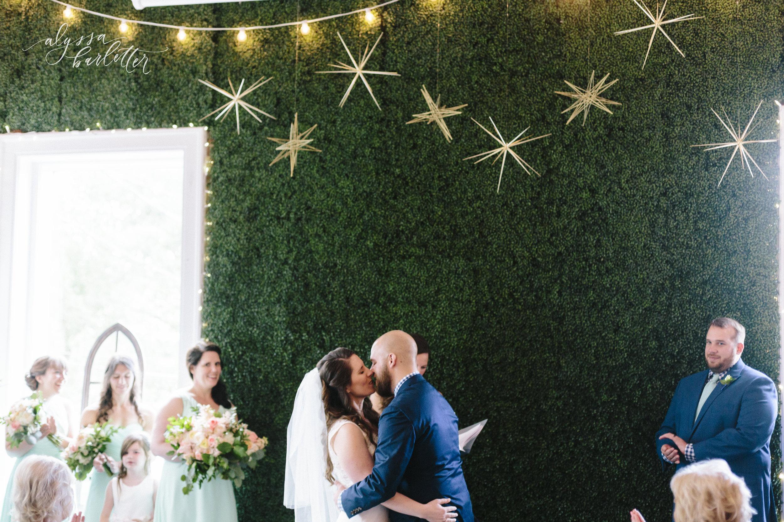 alyssa barletter photography kansas city wedding 2016 main courtney and brian-1-20.jpg