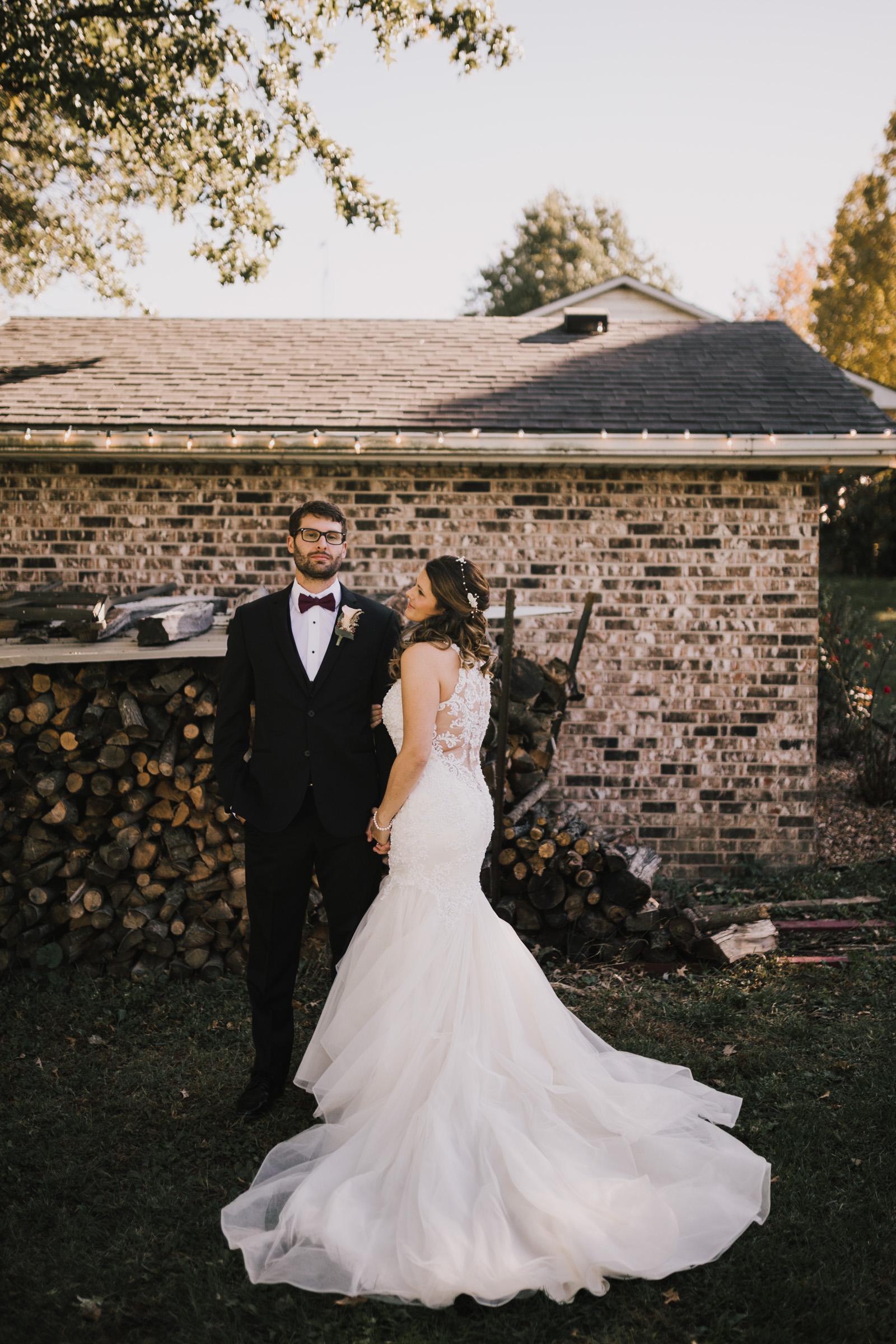 alyssa barletter photography intimate fall autumn wedding rural missouri wedding photographer-15.jpg