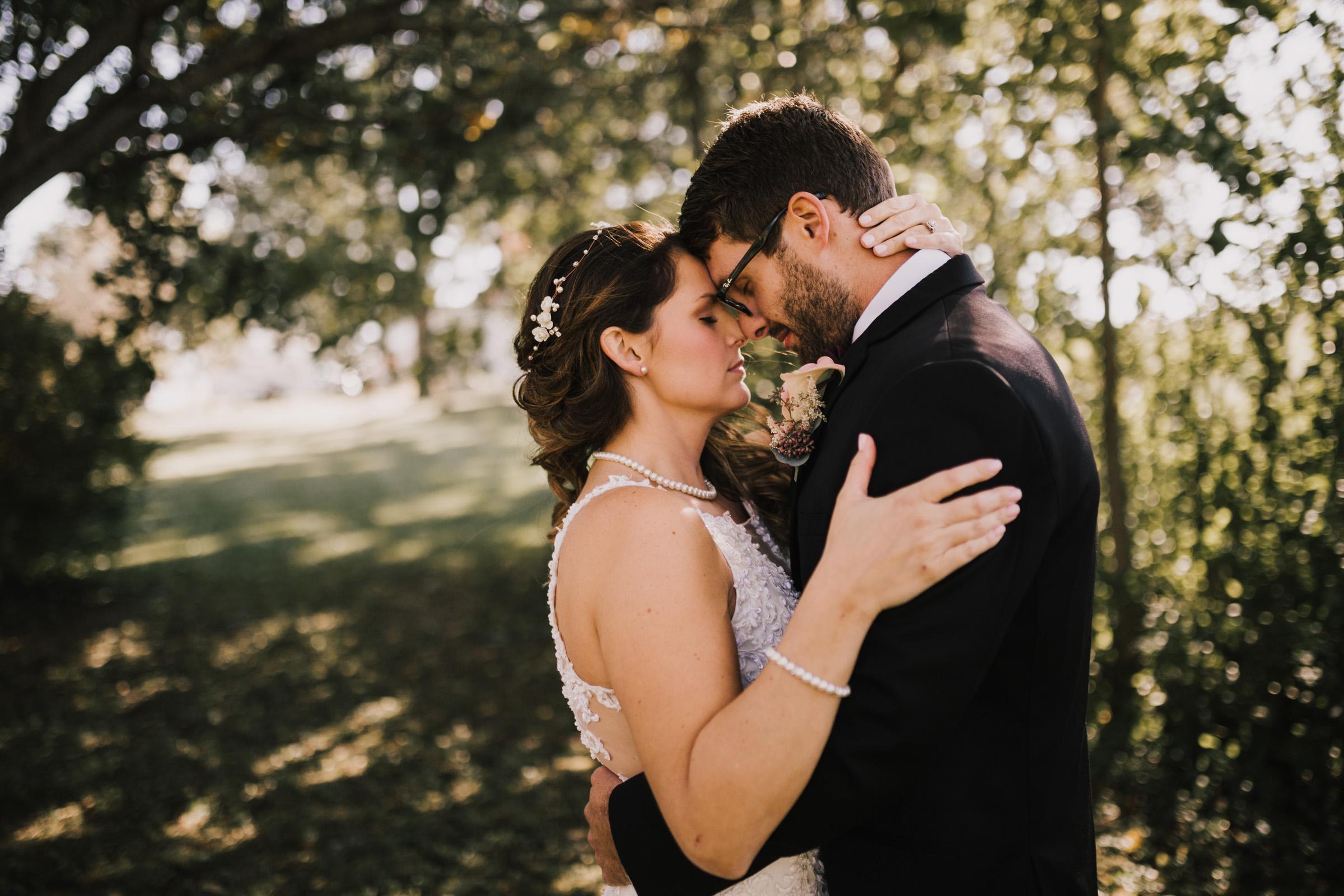 alyssa barletter photography intimate fall autumn wedding rural missouri wedding photographer-18.jpg