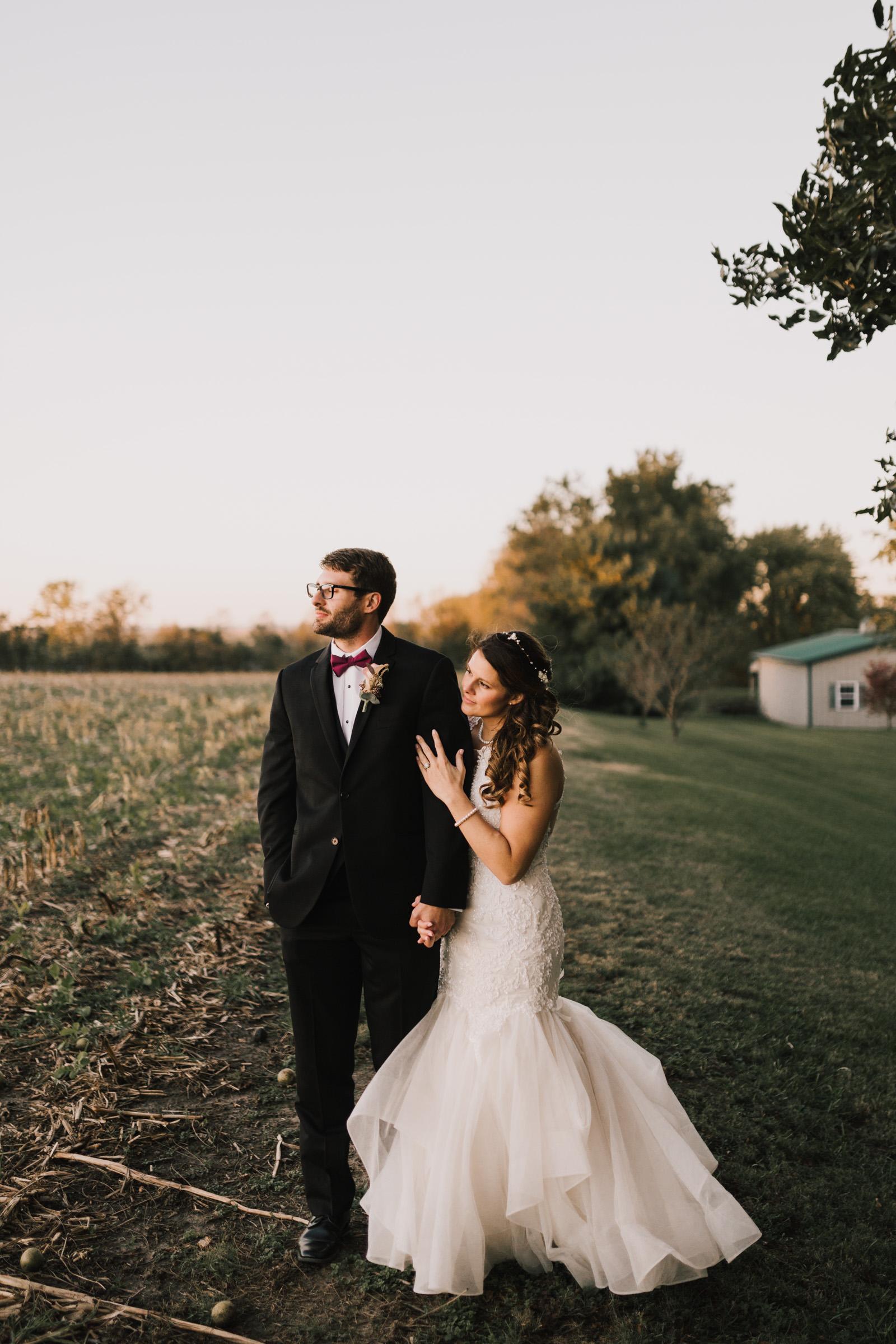 alyssa barletter photography intimate fall autumn wedding rural missouri wedding photographer-37.jpg