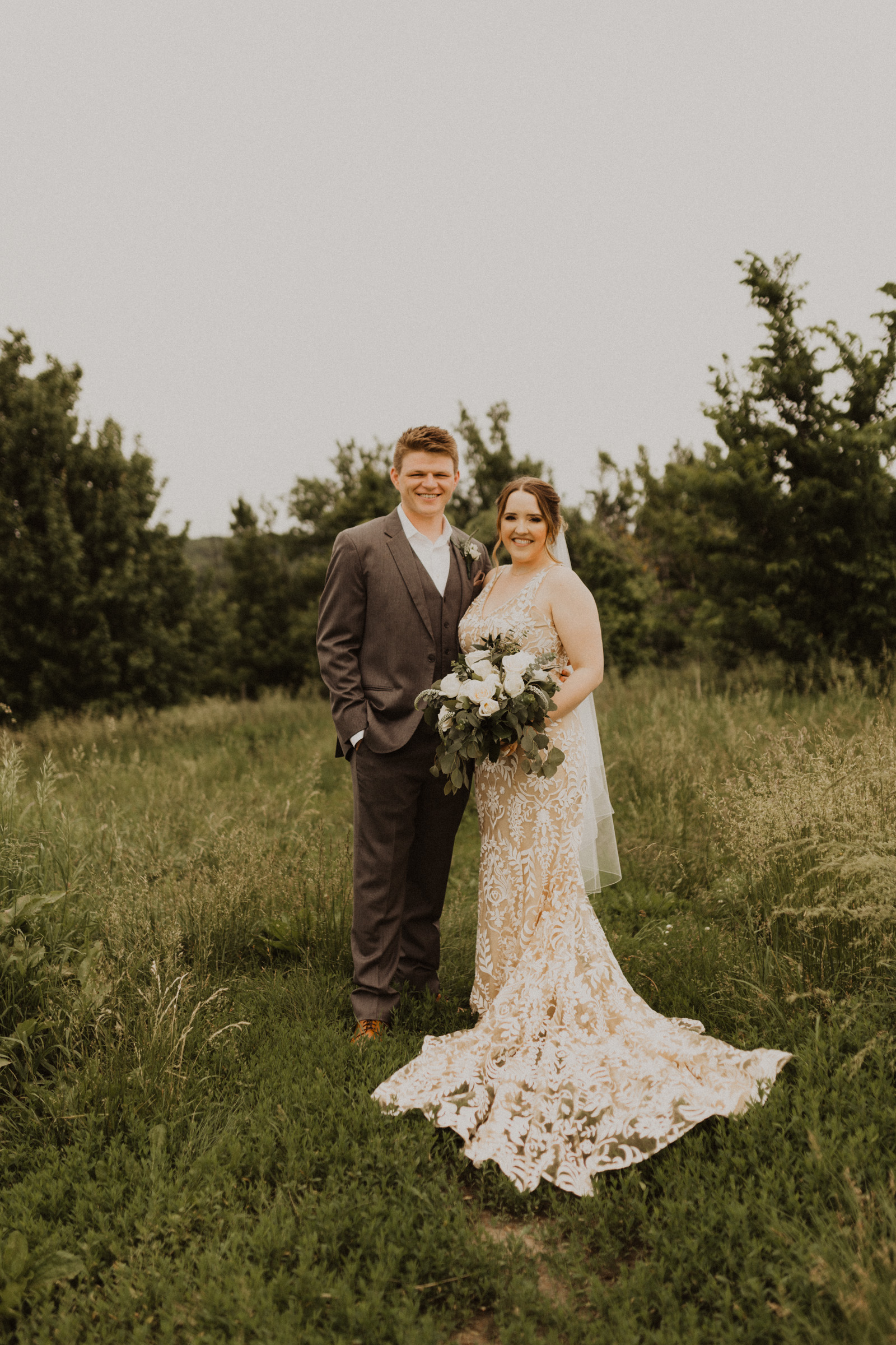 alyssa barletter photography weston red barn farm timberbarn summer outdoor wedding-14.jpg