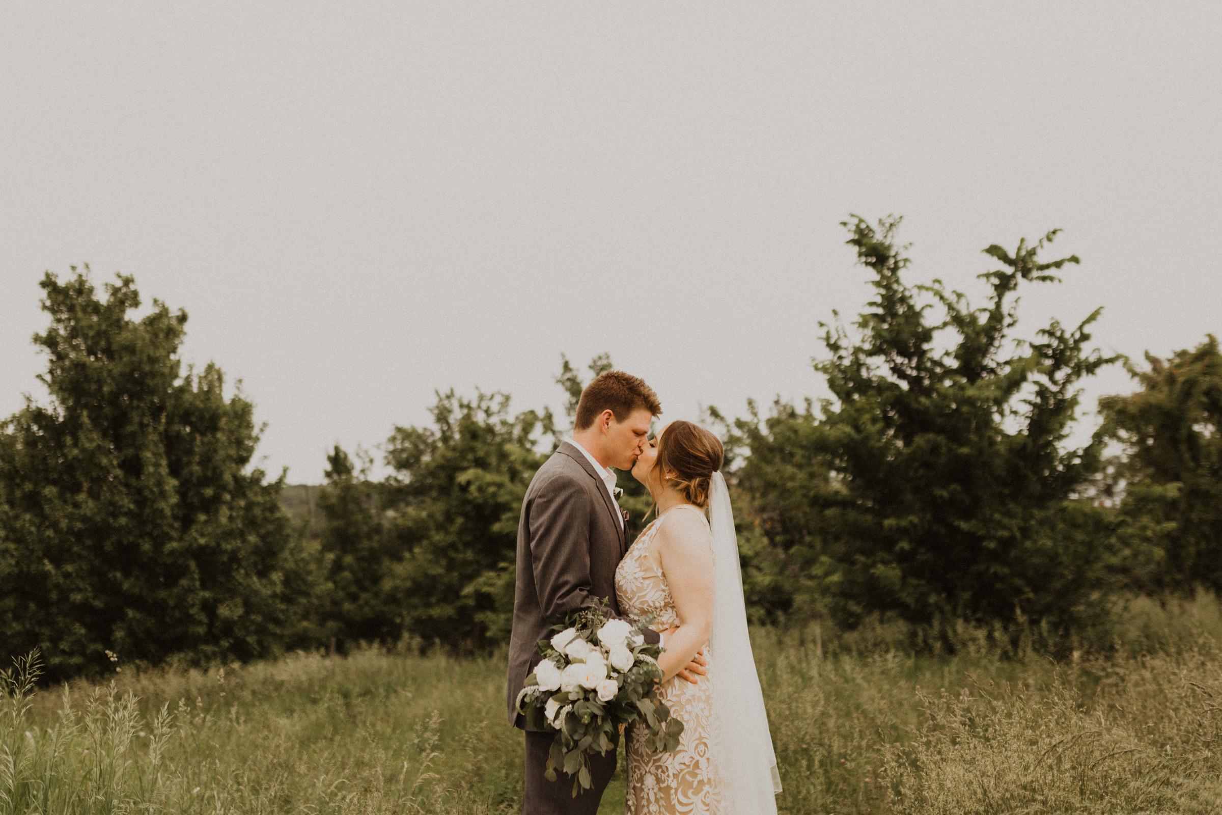 alyssa barletter photography weston red barn farm timberbarn summer outdoor wedding-18.jpg