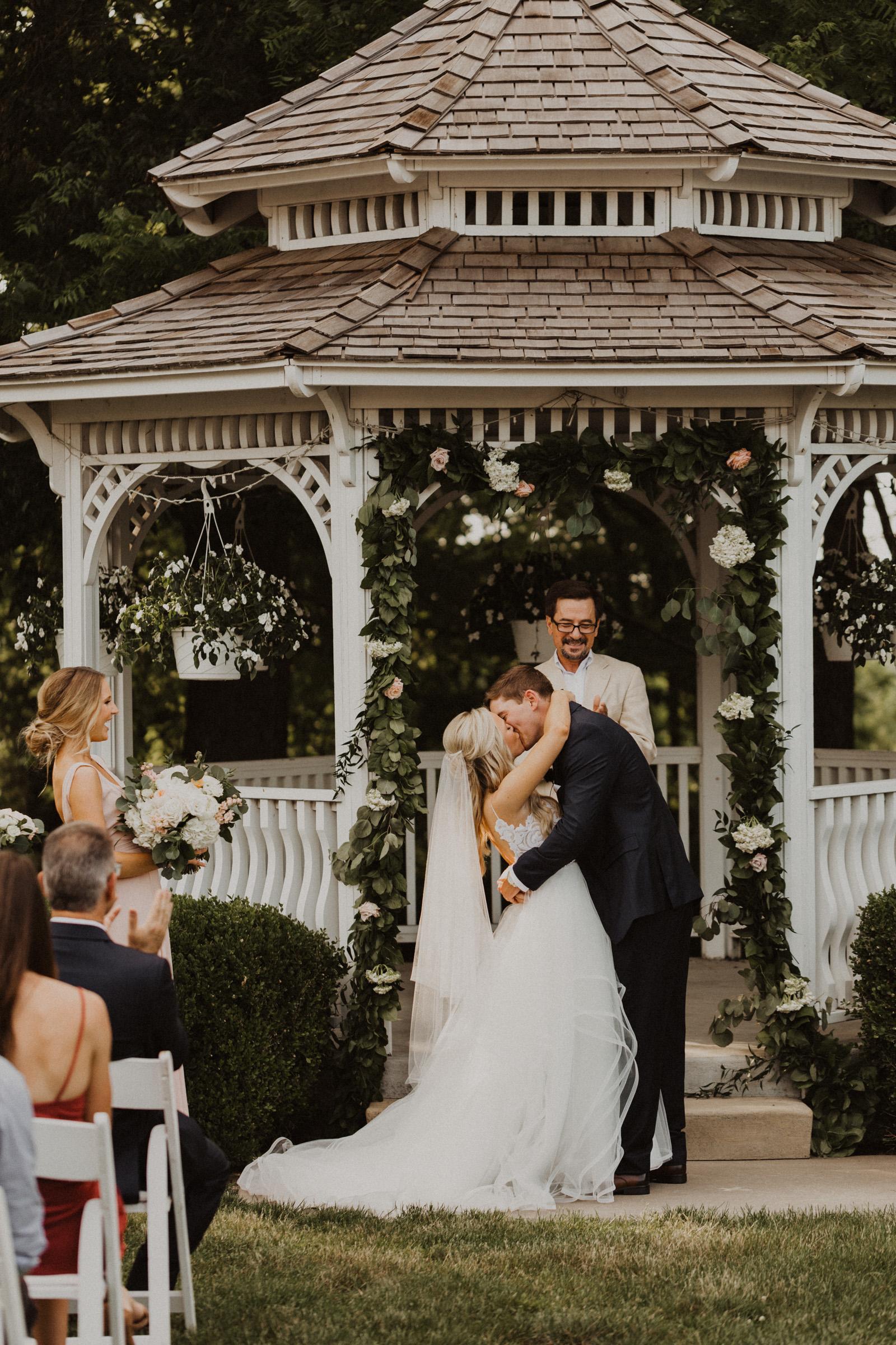 alyssa barletter photography hawthorne house summer outdoor wedding southern charm inspiration-49.jpg