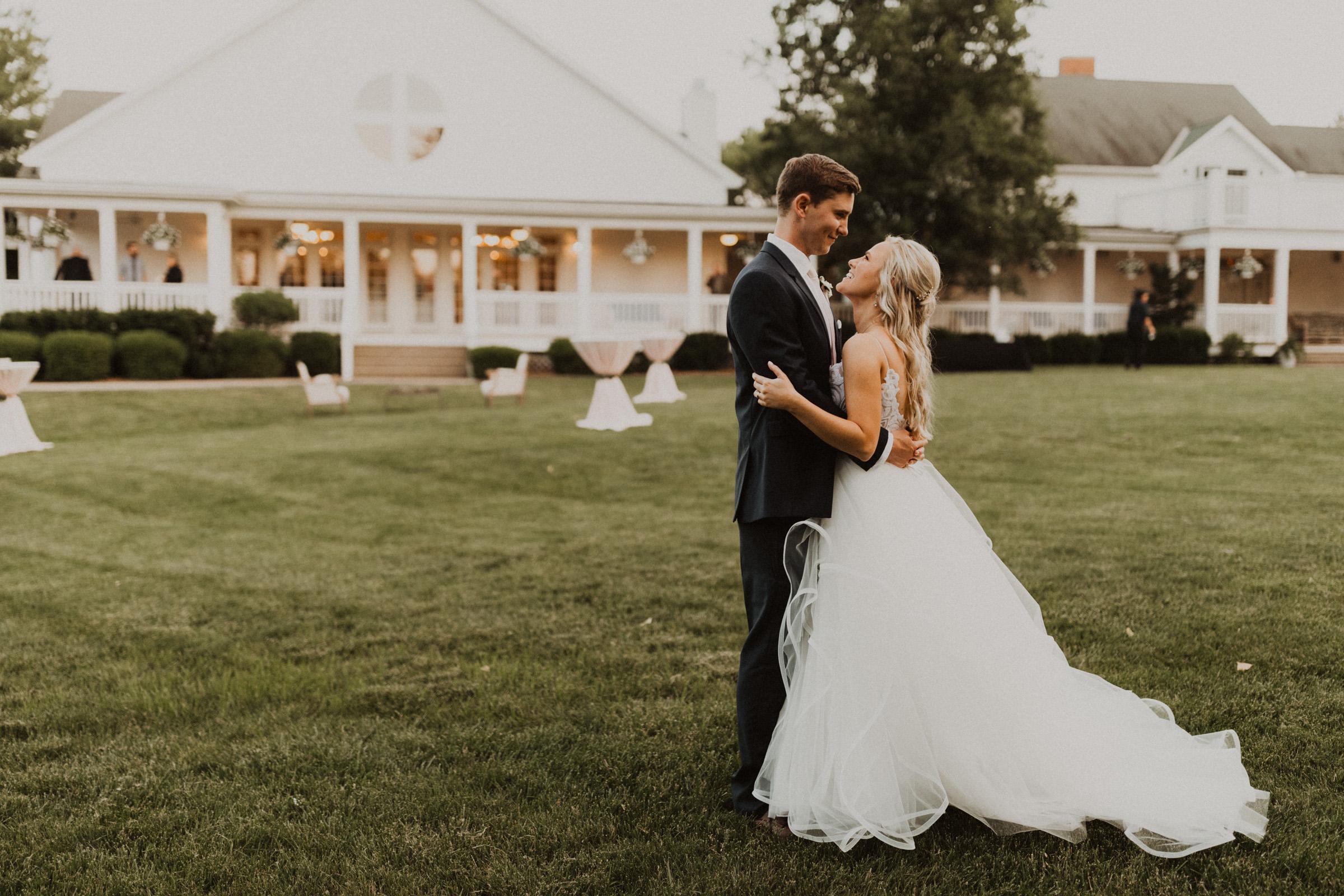 alyssa barletter photography hawthorne house summer outdoor wedding southern charm inspiration-55.jpg