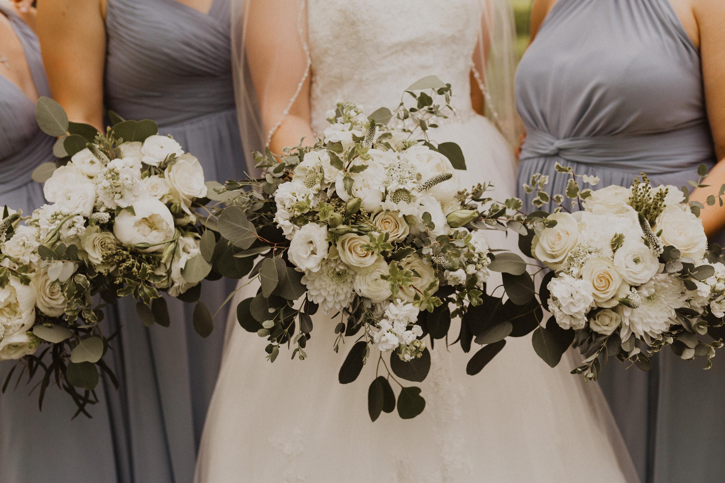 alyssa barletter photography classic kansas city wedding loose park plaza country club summer wedding-37.jpg