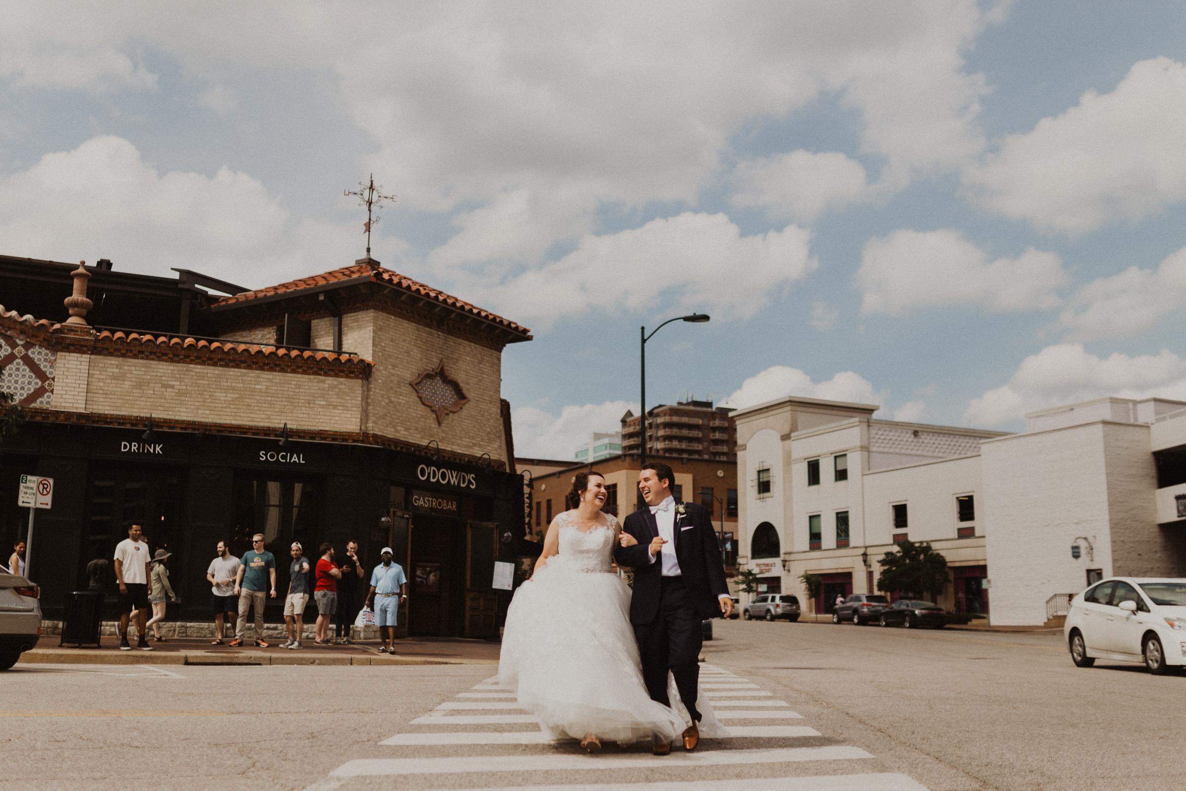 alyssa barletter photography classic kansas city wedding loose park plaza country club summer wedding-38.jpg