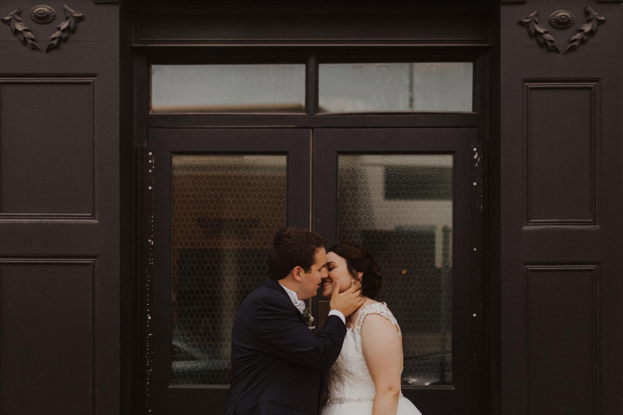 alyssa barletter photography classic kansas city wedding loose park plaza country club summer wedding-45.jpg