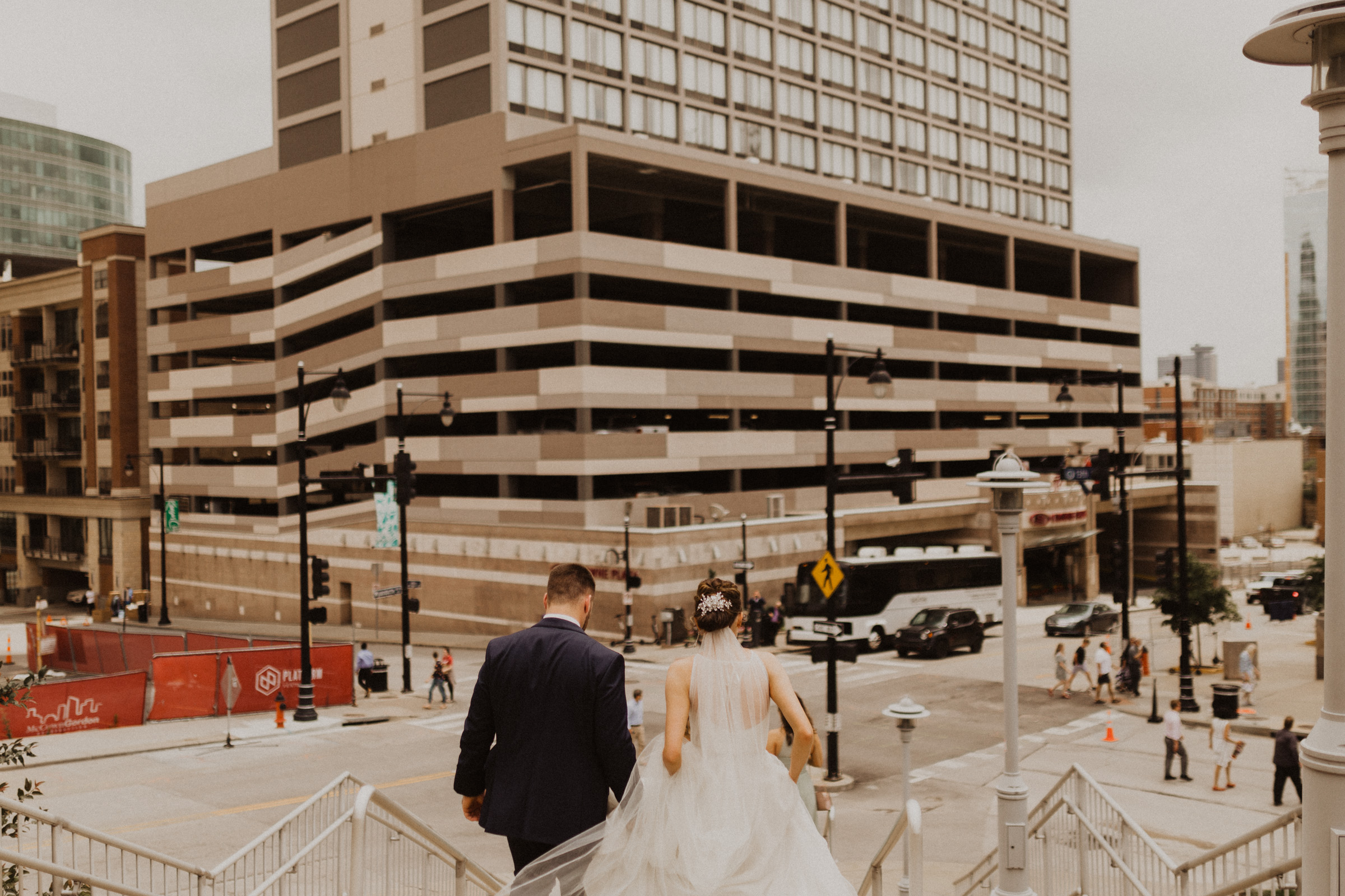 alyssa barletter photography classic downtown kansas city wedding boulevard brewery-13.jpg