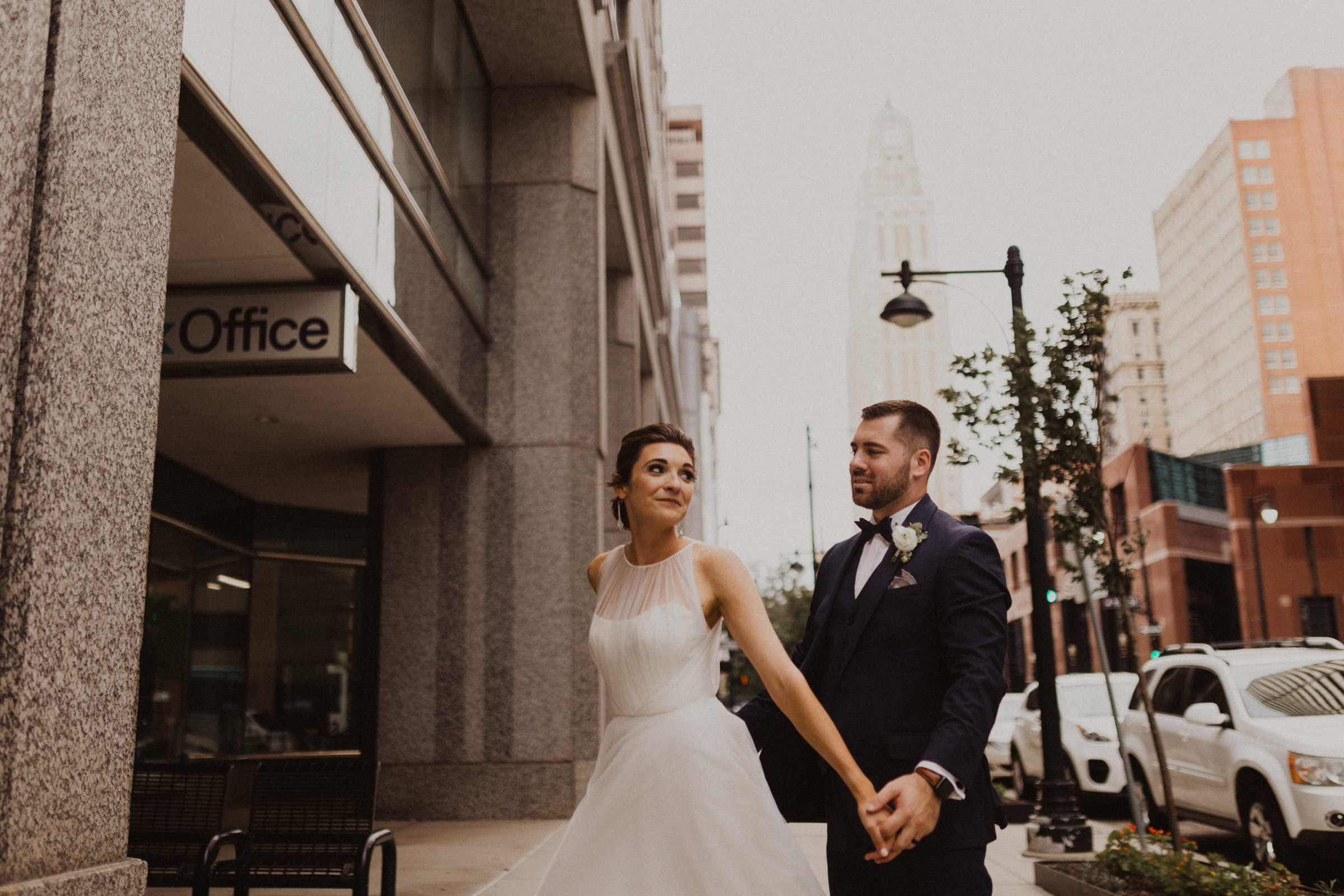 alyssa barletter photography classic downtown kansas city wedding boulevard brewery-46.jpg