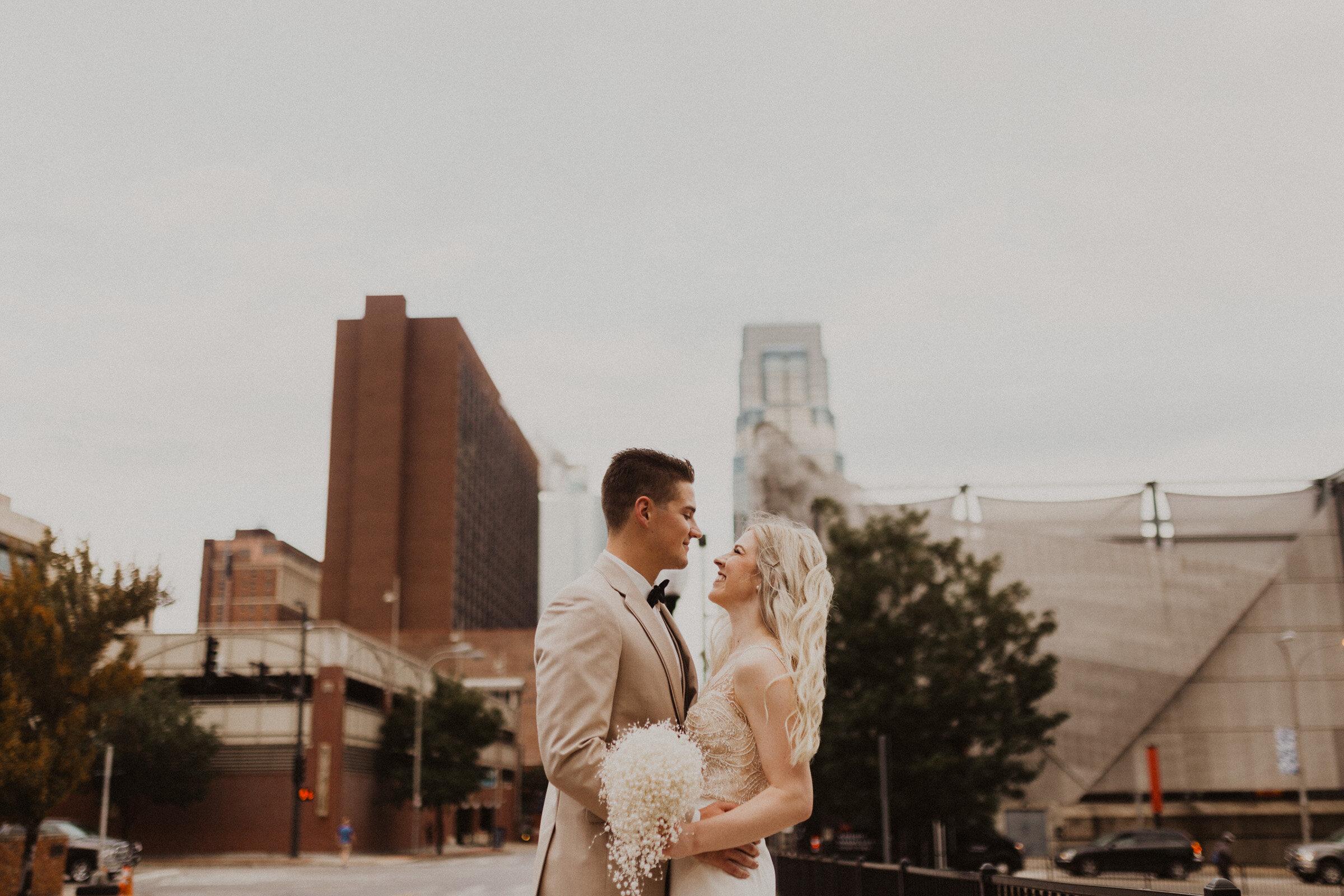 alyssa barletter photography downtown kansas city wedding boulevard brewery reception rainy day wedding-40.jpg