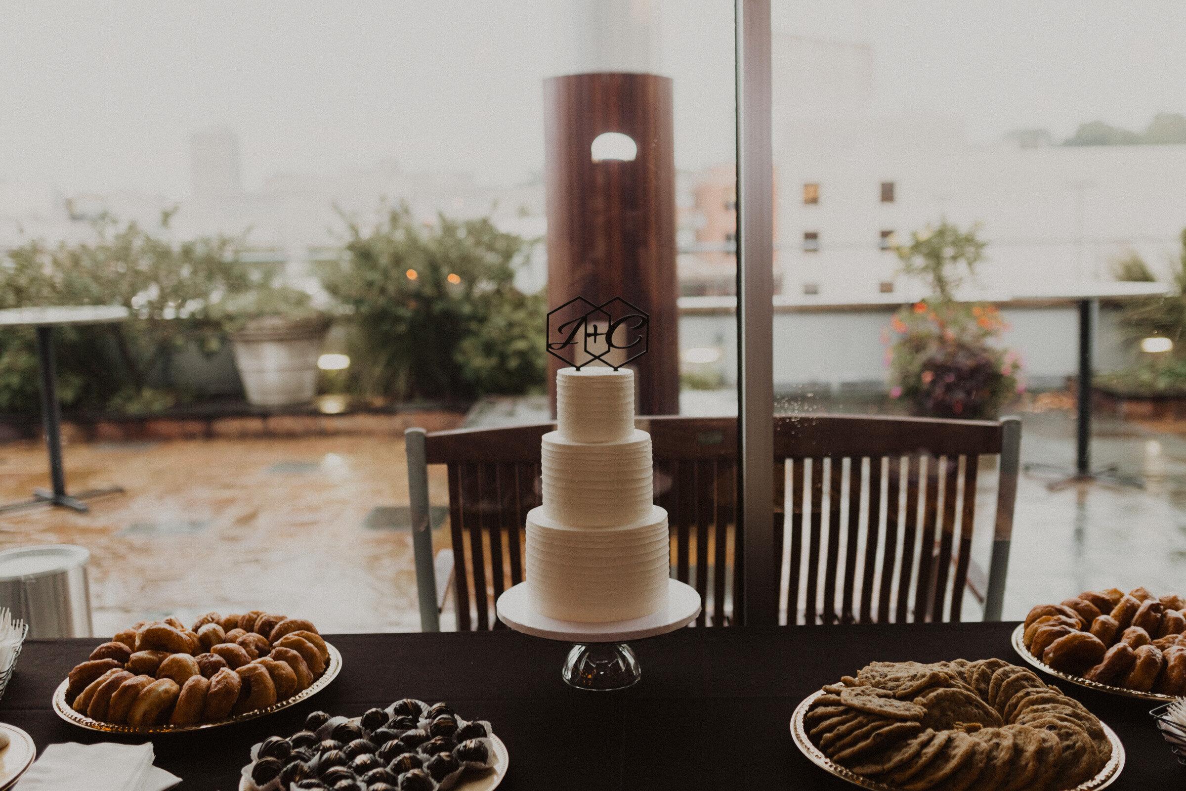 alyssa barletter photography downtown kansas city wedding boulevard brewery reception rainy day wedding-58.jpg