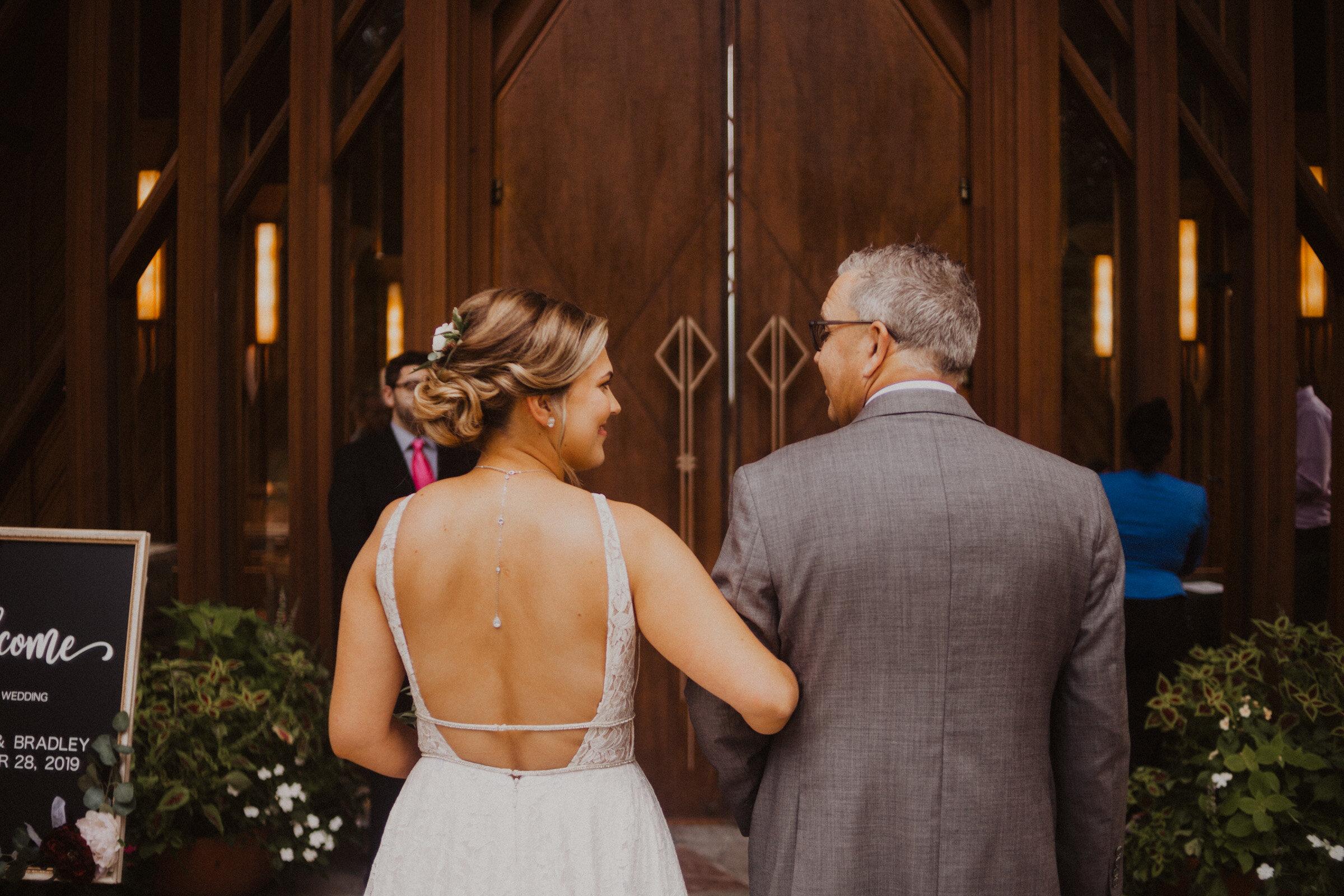 alyssa barletter photography summer wedding photographer powell gardens-10.jpg