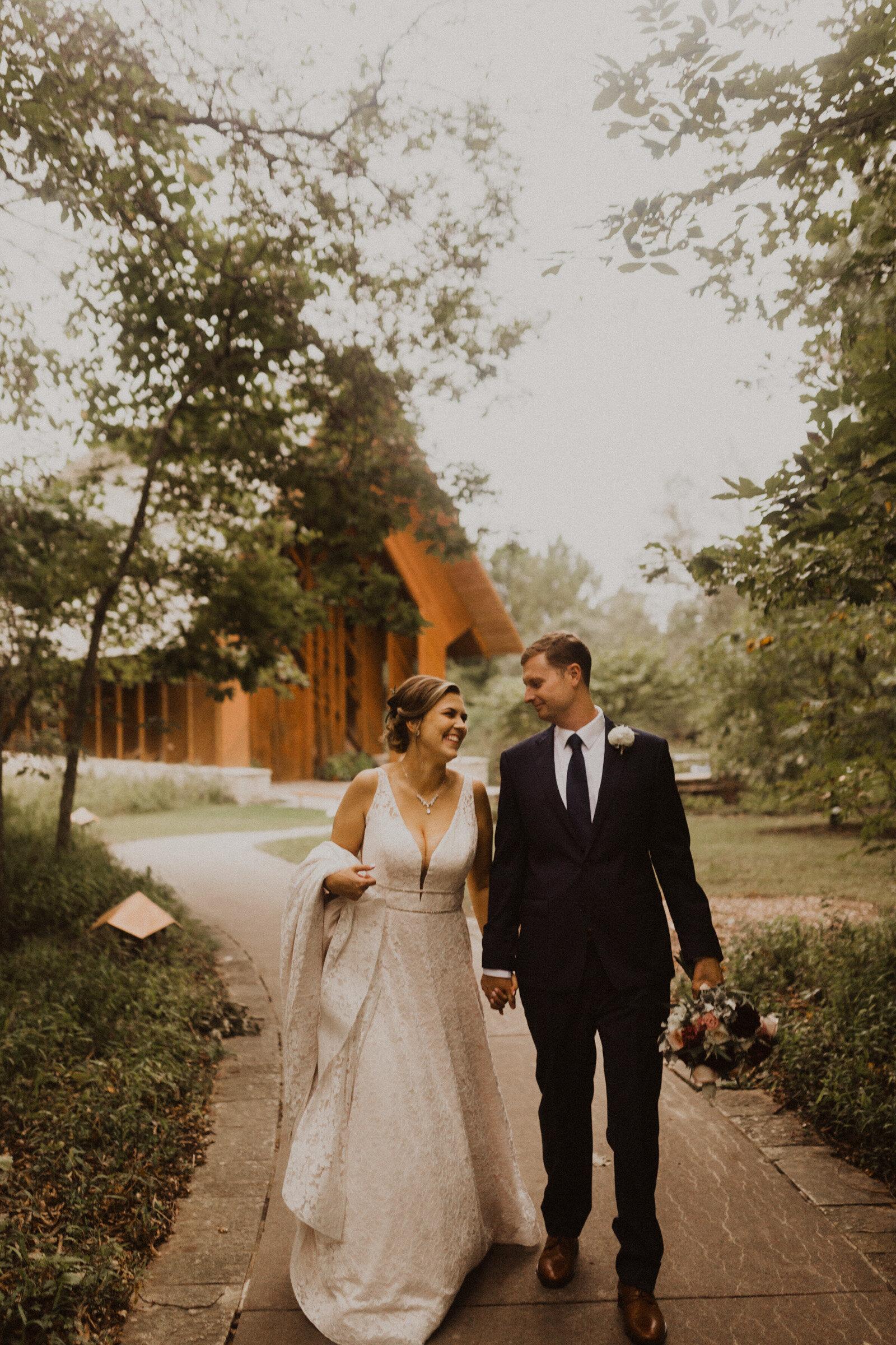 alyssa barletter photography summer wedding photographer powell gardens-23.jpg