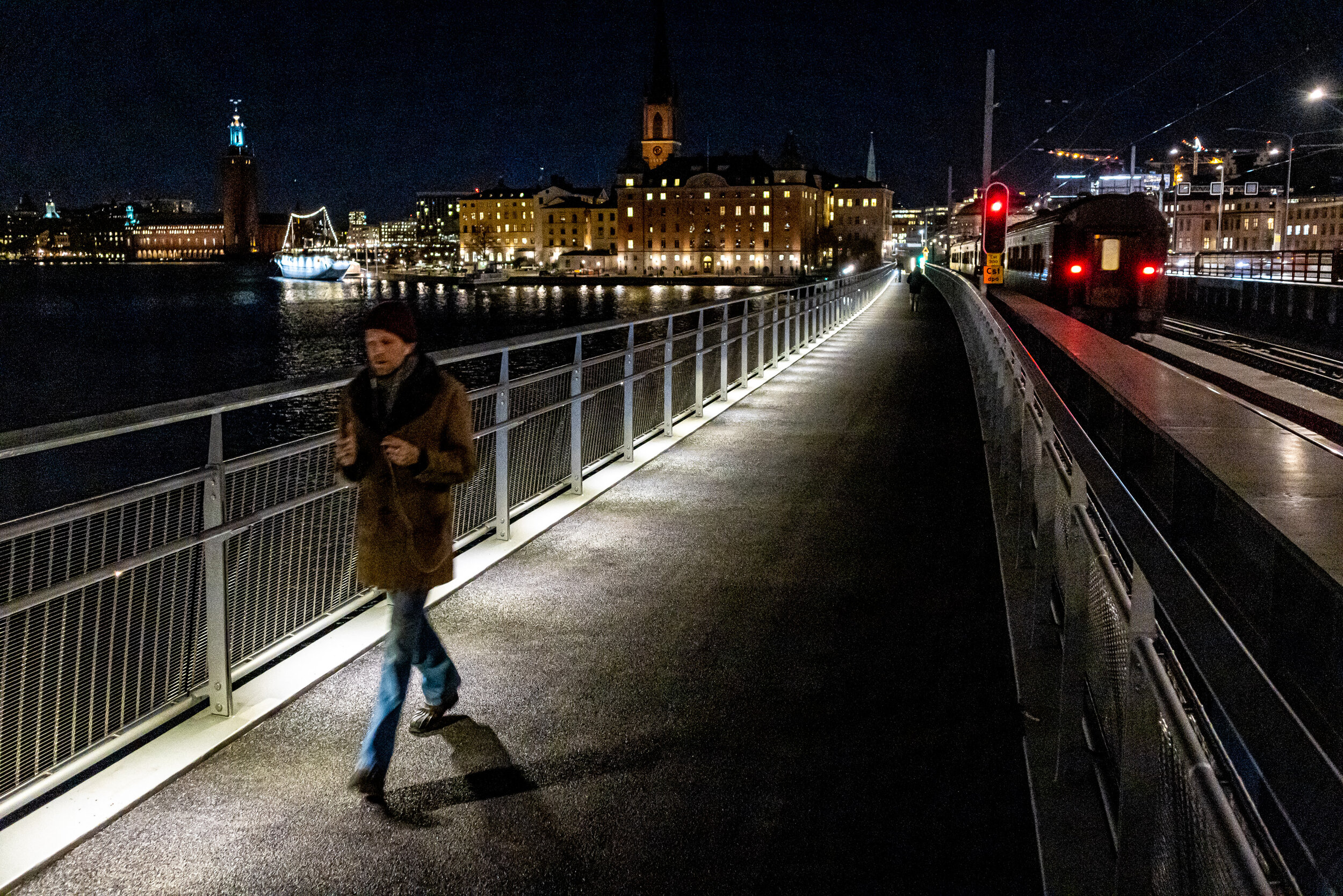 Gång- och cykelbron över Söderström. Foto: Nils Öhman.