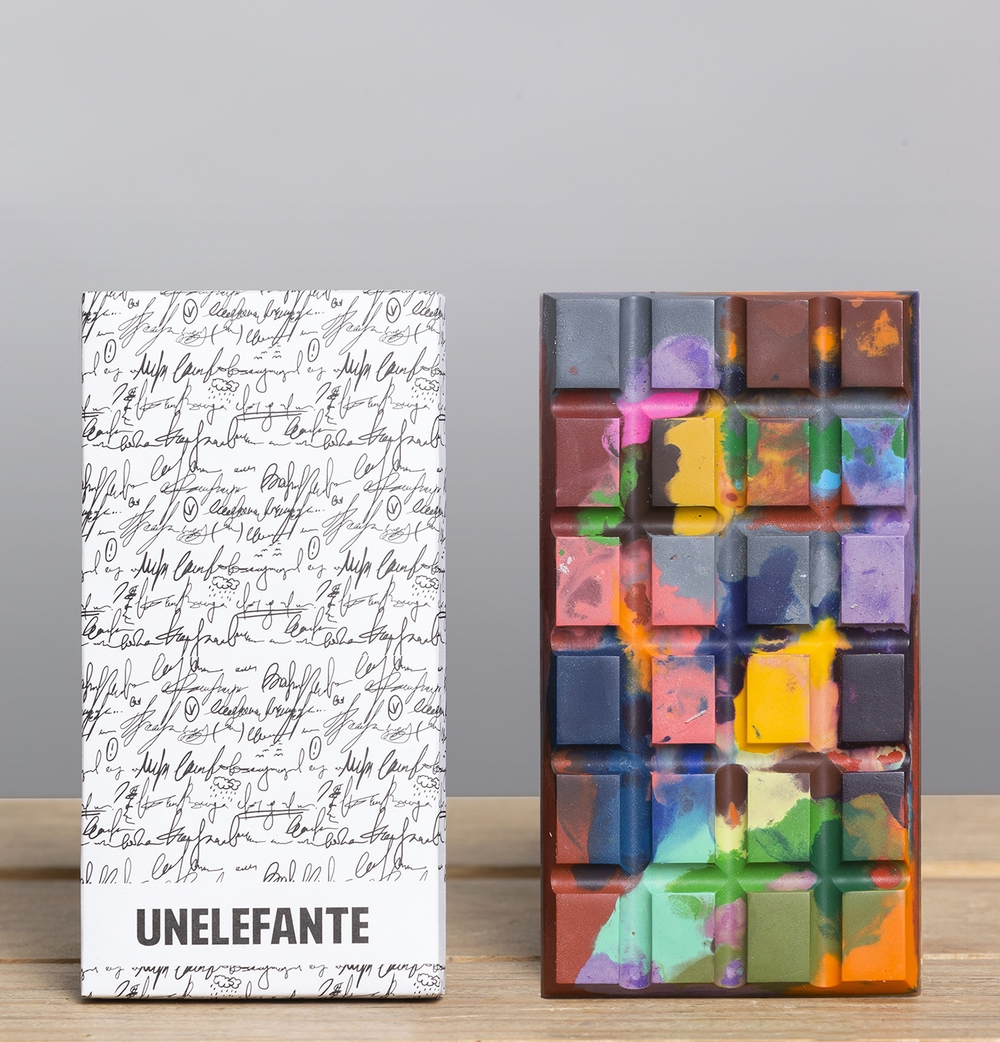 Unelefante's artistic touch - with handwritten packaging and painter's palette