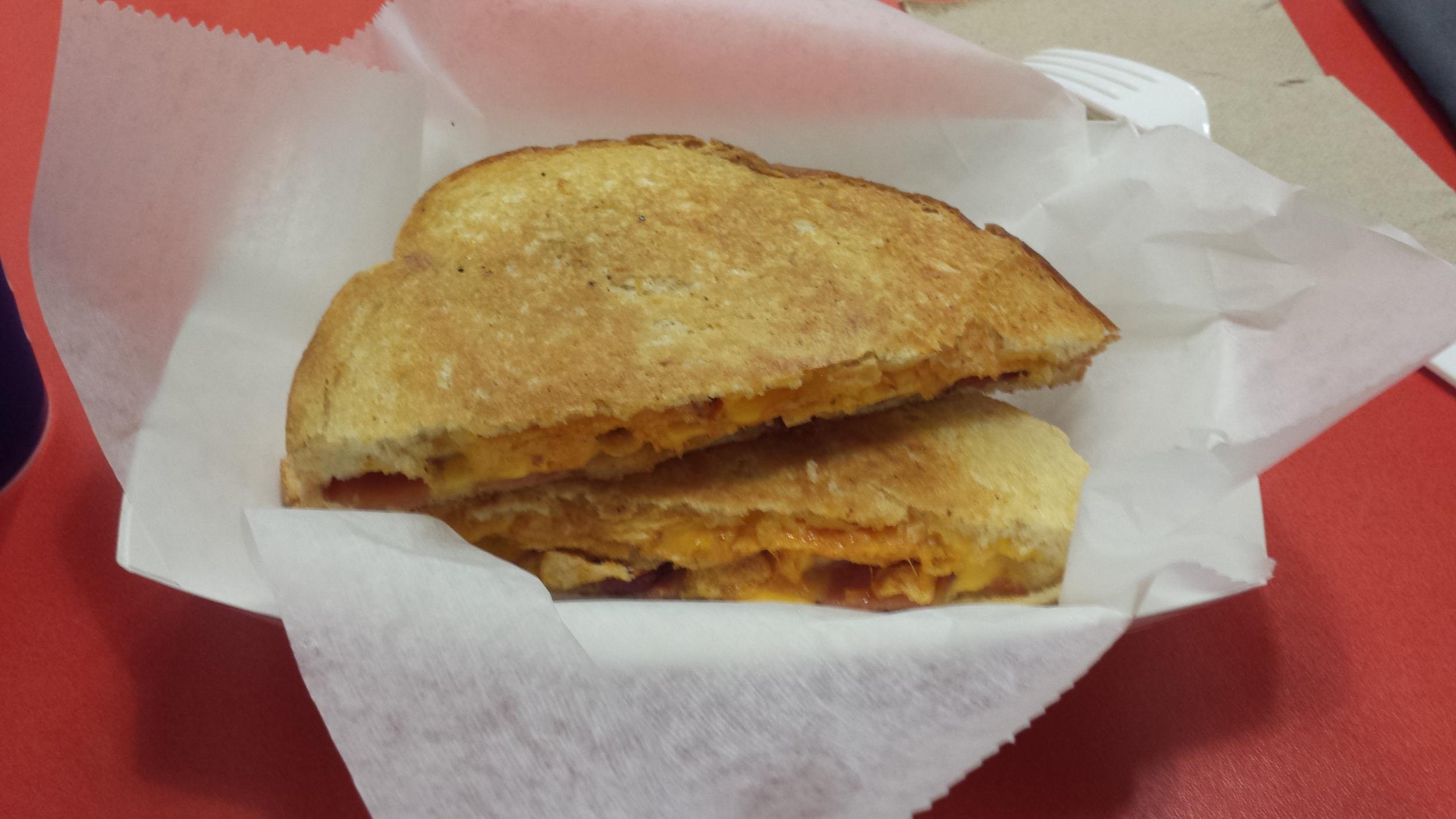 Cheddar Cheese, Bacon, BBQ Cape Cod Potato Chips, Thick Cut Sourdough