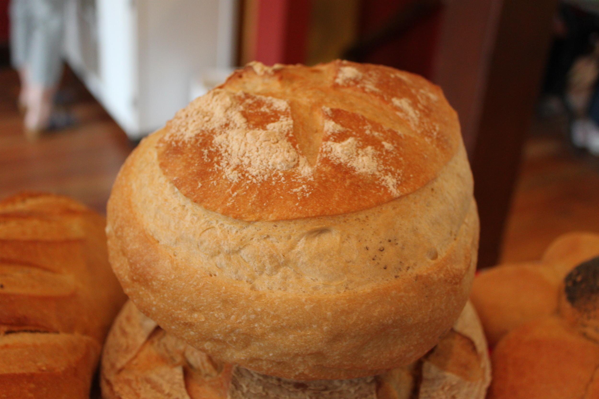 Cottage Round: Unbleached white flour, water, fresh yeast, sea salt.