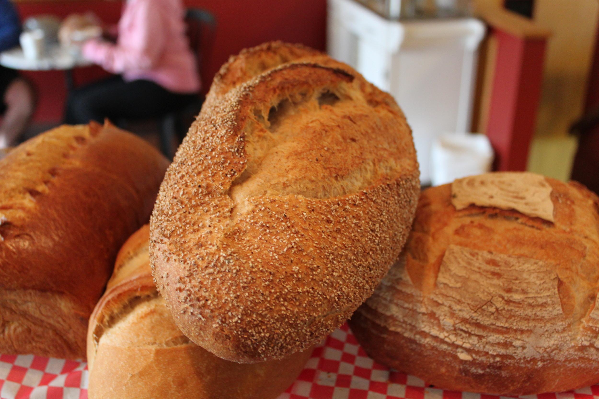 Levain, Small: Unbleached white flour, whole-wheat flour, water, natural sourdough, sea salt.