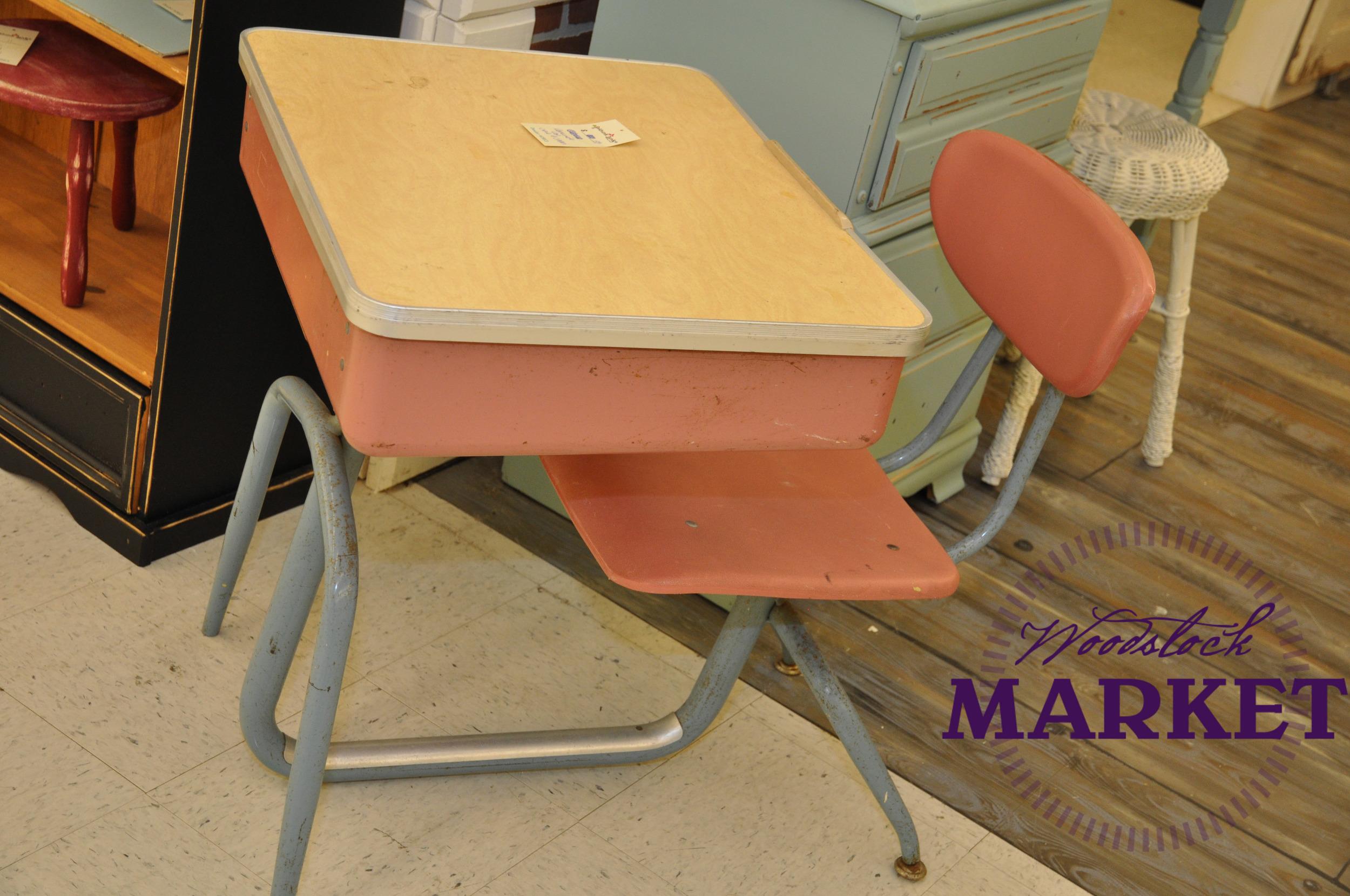 Desk-13.jpg