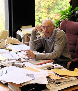 Uri Possen in his office 2007