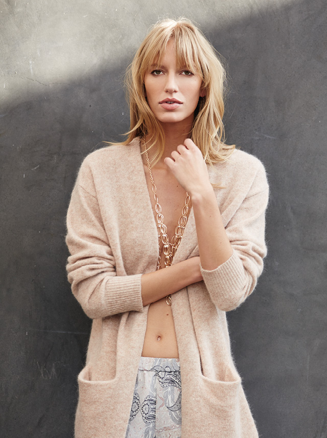 RV V 14 Carry Cardigan sand 1499.jpg