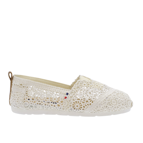 Jean-Paul-Pargas-II-lady-white-crochet-500x500.png