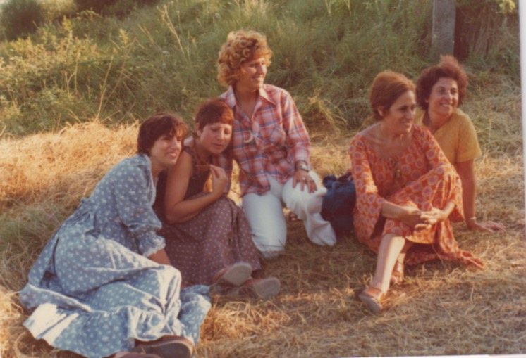 From left to right: Michou, Mona (my mom), Poupette, Dolly, Josette. Ginette and Claude are not on this picture.