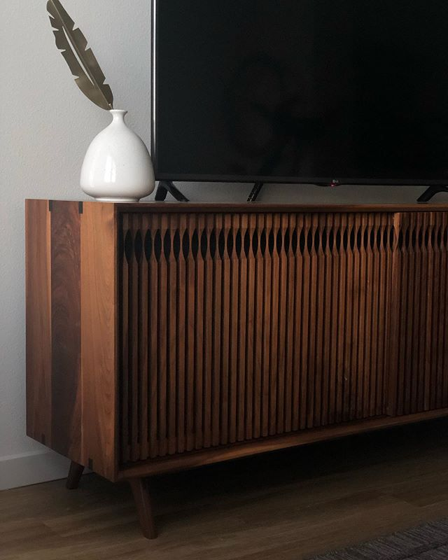On this #tbt I want to thank you all for the support 🙏🏼 we hit the 5k mark and are still growing strong - - - - - #credenza #midcenturyfurniture #furnituredesigner #woodworking #solidwood #customfurniture #customtable #custombed #hardwood #interiors #miamifurniture #miamimakers #miamidesign #highpointmarket #highpoint #milanfurniturefair #furnituremaker #boutique #boutiquefurniture #handmadefurniture #finewoodworking #woodworker #walnutwood #interiordesign #cascadecredenza