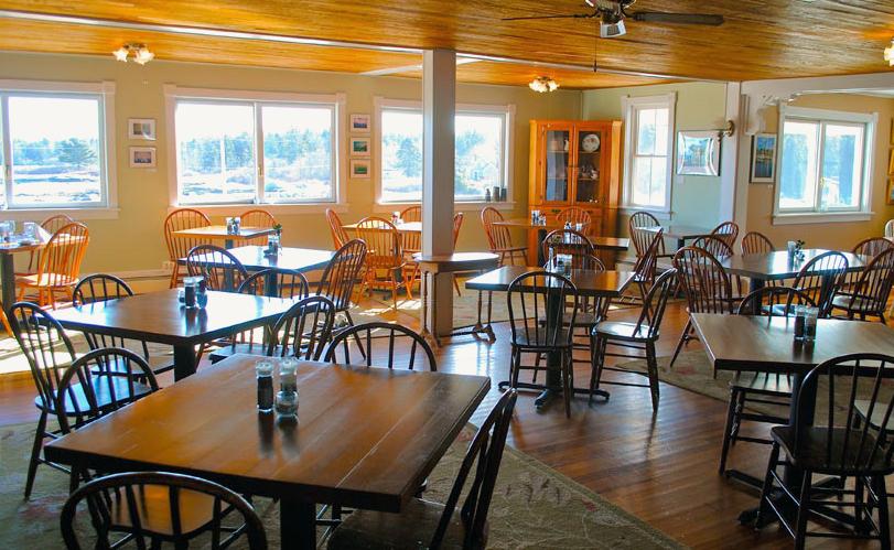 Diningroom with View 2.jpg