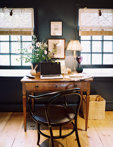Work+Space+Traditional+Deep+gray+walls+office+rlYquM7A0VIl.jpg