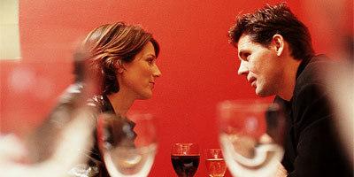 400_couple_dining.jpg