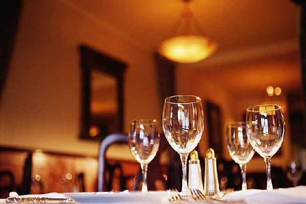dining-entertaining-etiquette