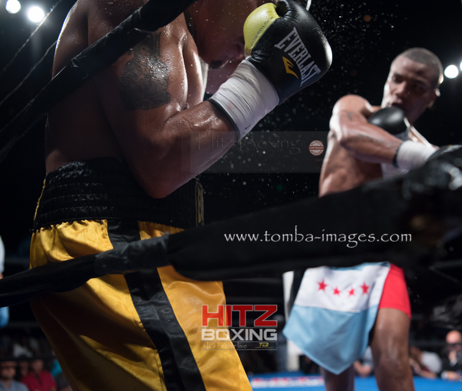 Ed Brown vs Venegas-18.jpg