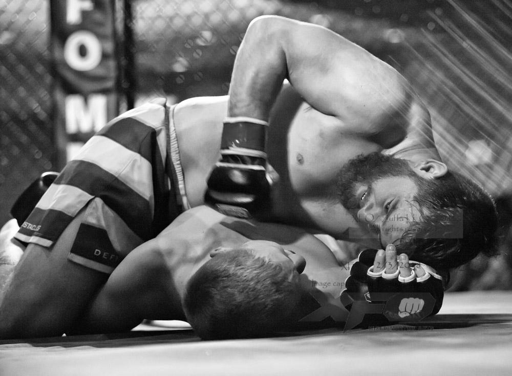 JR Roberts vs Seth Swinehart-26-Edit.jpg