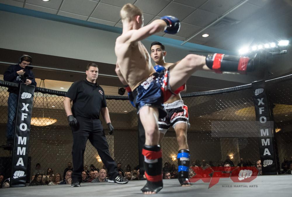Eli Roberts vs Manny Garcia-03.jpg