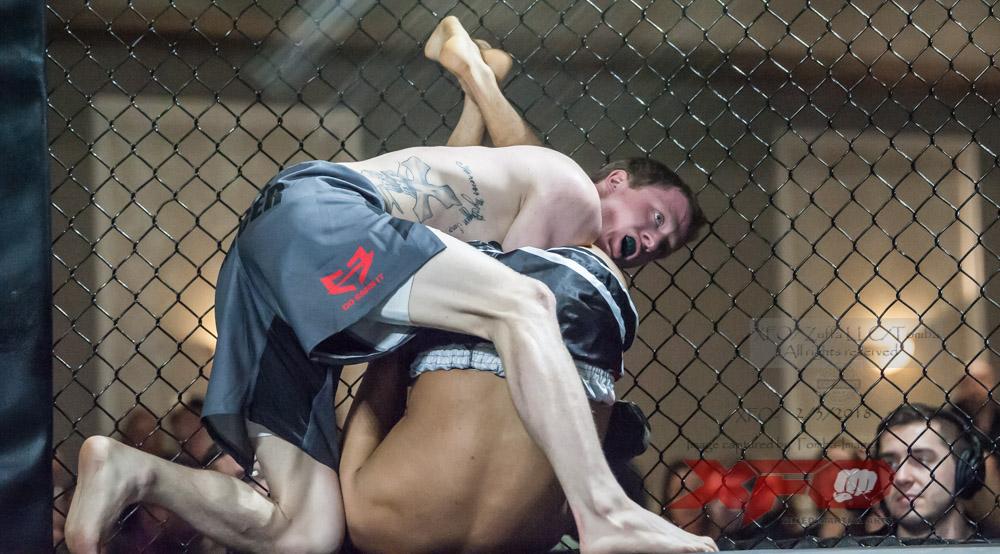 Gabriel Arroyo vs Derek Elmore-04.jpg
