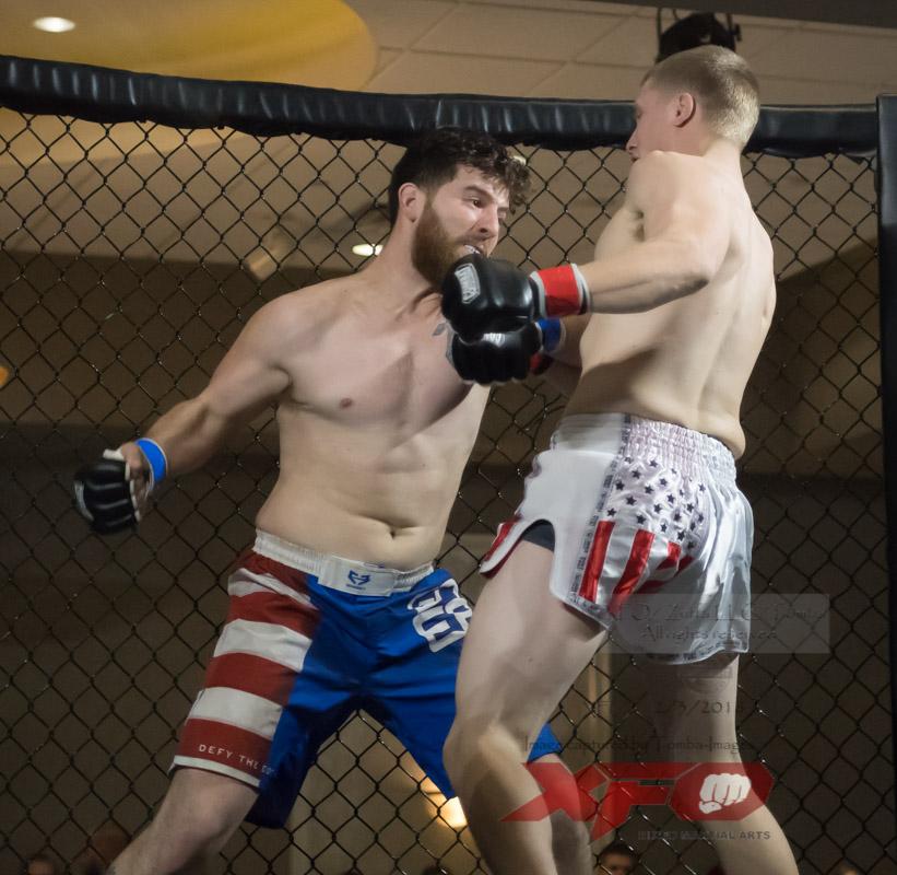 JR Roberts vs Seth Swinehart-04.jpg