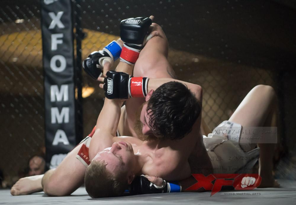 JR Roberts vs Seth Swinehart-15.jpg