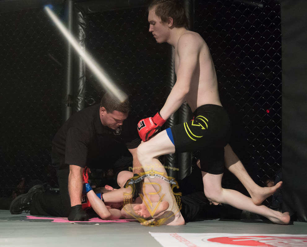 Stevens vs Sagraves-Title-08.jpg